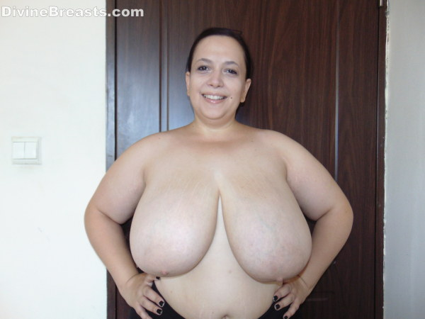 Bbw with a huge white boobs suck an roomate and make him cum 2