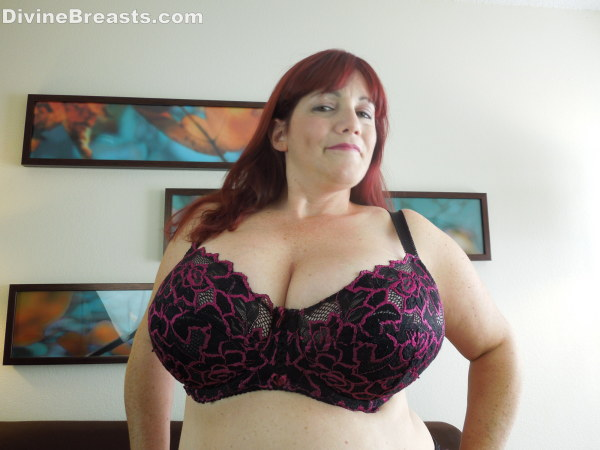 Giant bbw red head gobbles cock
